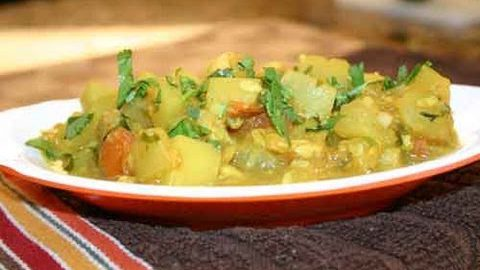 Bottle Gourd Subzi (Mama's Lauki Subzi) | Show Me The Curry Vegetarian Recipes