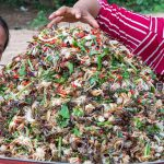 Hot Spicy Mixed Raw Crabs 50Kg Salad Recipe – Eating Raw Crab & Donation Foods in Village