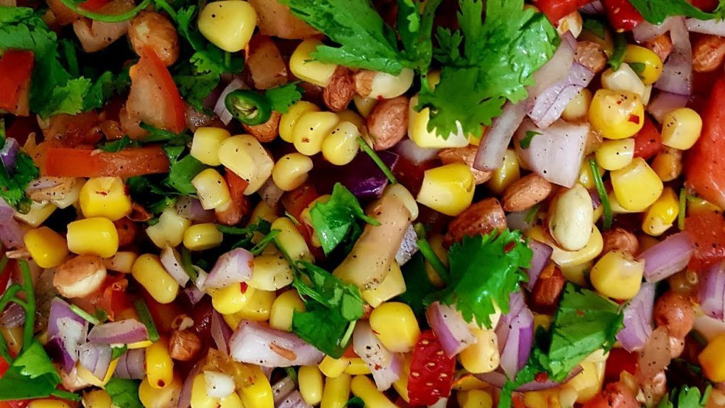 Easy Salad Recipe: Sweetcorn, onion, peanut, tomato,leaves and chili  Sweetcorn chaat