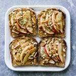 Apple Cinnamon Peanut Butter Breakfast Toast! Easy, healthy, vegetarian, and onl…