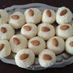 Quick and easy sweet recipe /Diwali main ghar par bane coconut and condensed milk ke ladoo….