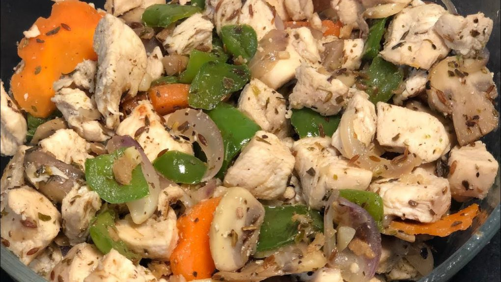 Healthy chicken recipes for weight loss | For muscle gain | Boiled chicken with stir fried veggies