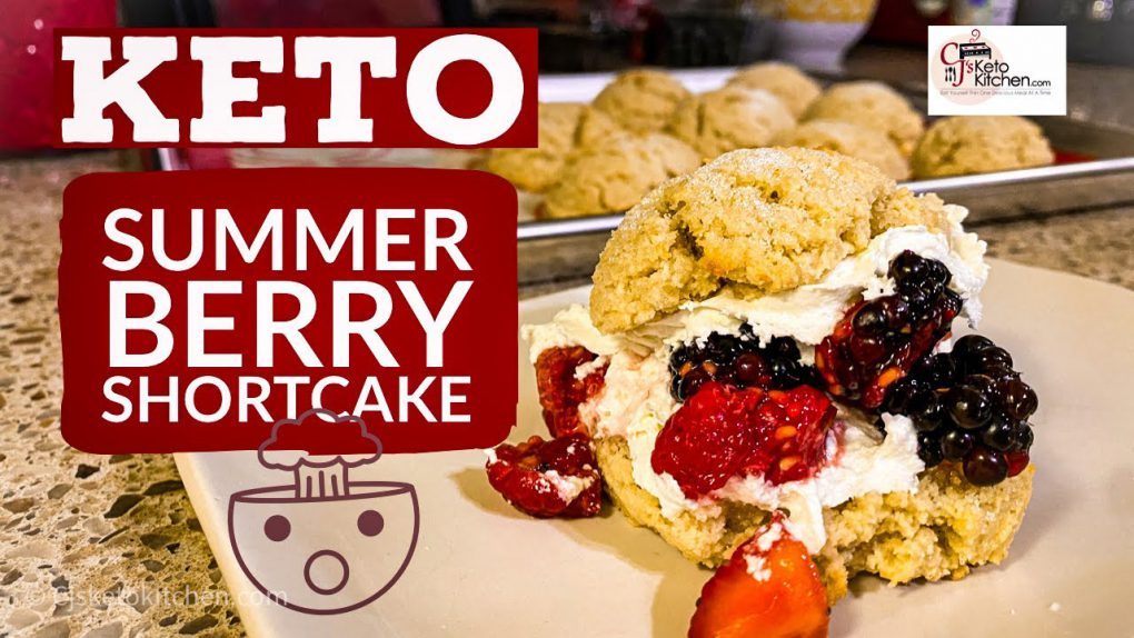 Keto Summer Berry Shortcake #Ketorecipes #LowCarbRecipes #KetoDesserts #LowCarbDesserts