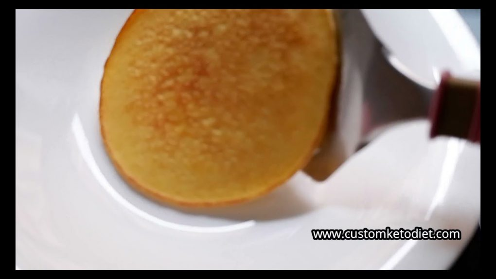 Keto Cream Cheese Pancake With Berries Compote Recipe